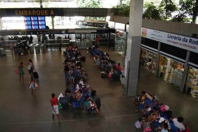 Governo da BA anuncia fechamento total da rodoviária de Salvador e solicitará suspensão de voos para RJ e SP