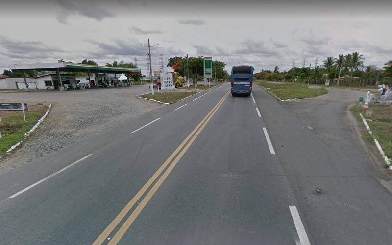 Homem é atropelado por carro na BR-101, trecho de Sapeaçu