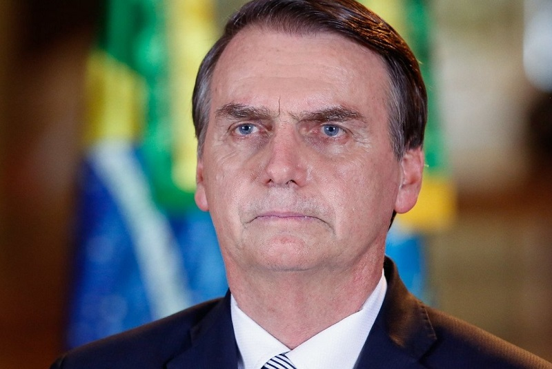 Bolsonaro diz que demissão de Mandetta foi 'consensual' e quer equilíbrio entre saúde e economia