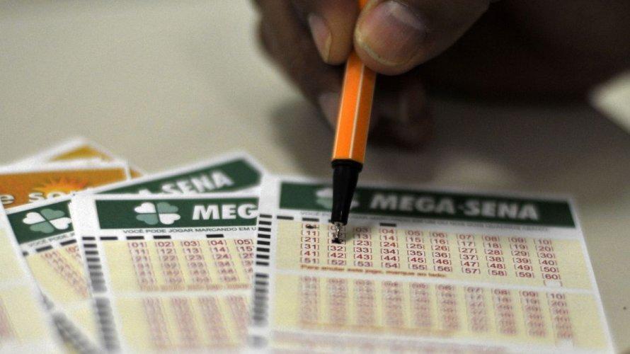 Ninguém acerta dezenas da Mega-Sena e loteria pode pagar R$ 42 milhões na próxima quarta