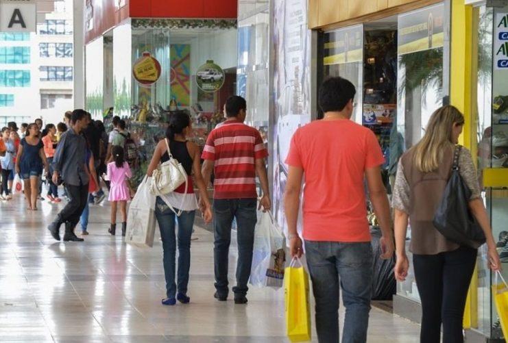 População brasileira está menos preocupada com consequências do coronavírus do que países vizinhos