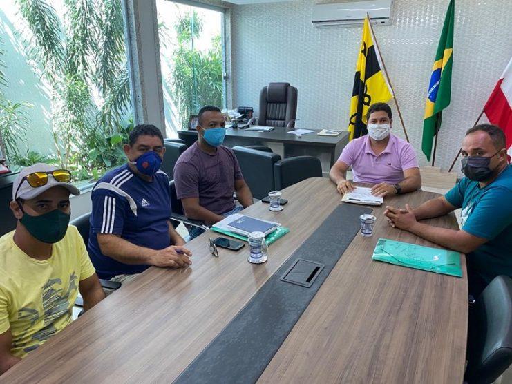 Renan de Romualdo se reúne com representantes da COOTAM