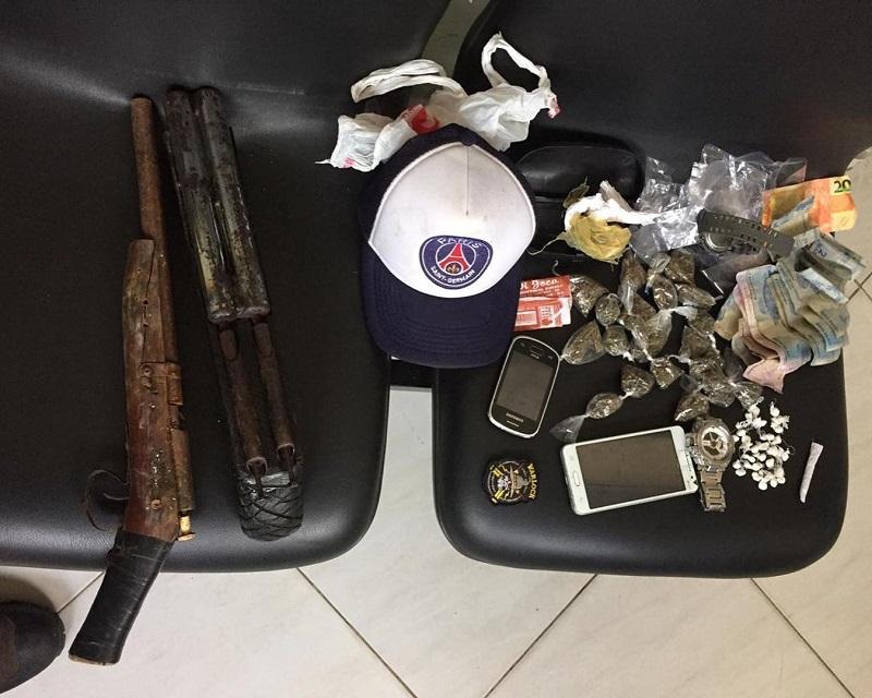 Trio suspeito de envolvimento com o tráfico é preso com armas e drogas em Castro Alves