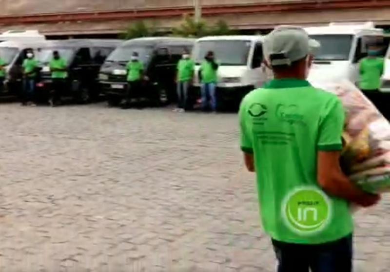 MURITIBA: Sem poder trabalhar, motoristas da COOTAM recebem cesta básica da vereadora Mara