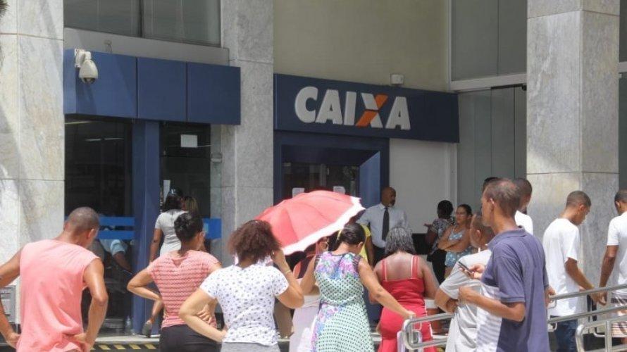 Justiça concede liminar que obriga Caixa a organizar filas no entorno das agências na Bahia