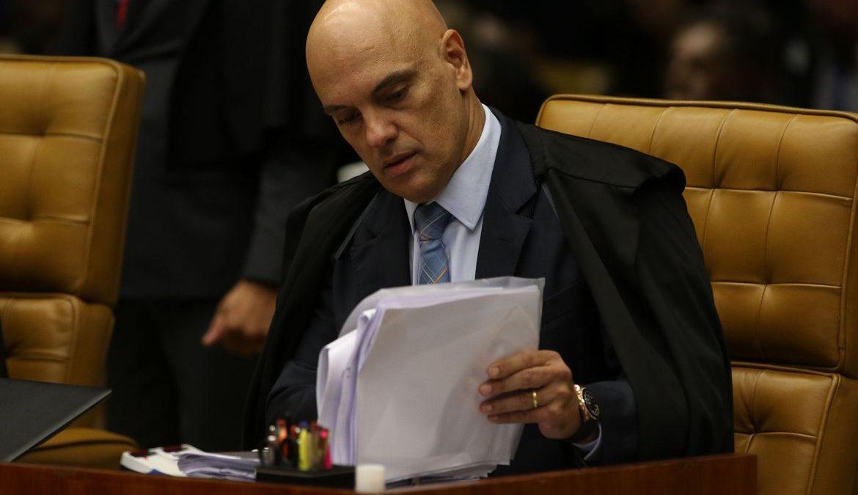 AGU pede que Moraes reconsidere decisão que impediu nomeação na PF
