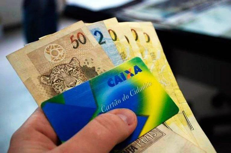 PIS/Pasep: Bolsonaro libera até R$ 2.090 para quem trabalhou nos dois últimos anos; Entenda