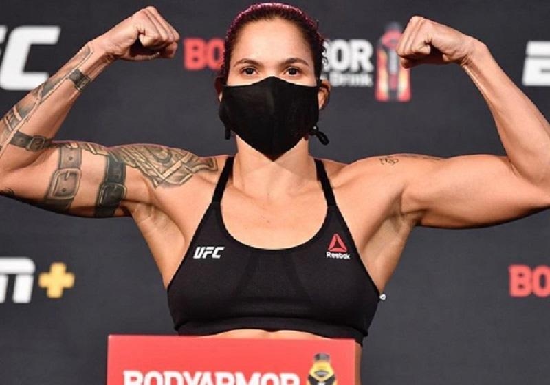 Amanda Nunes vence por unanimidade e mantem cinturão no UFC