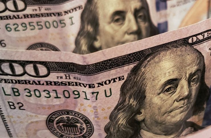 Com temores sobre segunda onda de covid-19, dólar sobe e volta aos R$ 5,40