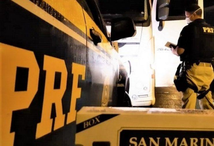 Homem é preso em flagrante com 540 mil maços de cigarros contrabandeados em Feira de Santana