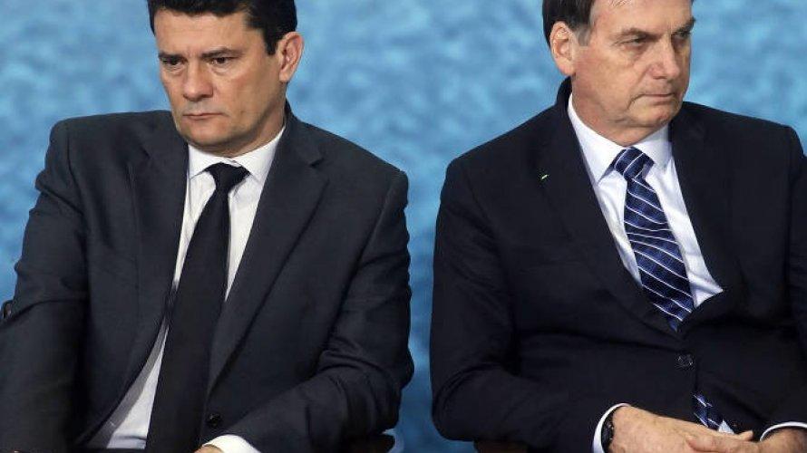 """Bolsonaro chama Moro de """"covarde"""" e diz que governo """"se livrou"""" de ex-ministro"""