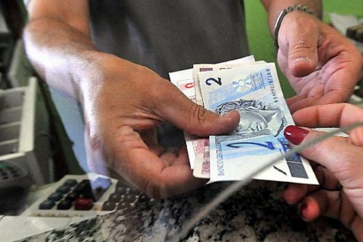 Número de pedidos de seguro-desemprego cresce 97% na Bahia