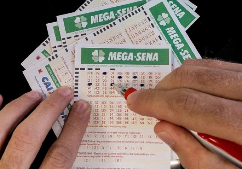 Ninguém acerta Mega-Sena e prêmio acumula para R$ 6,6 milhões