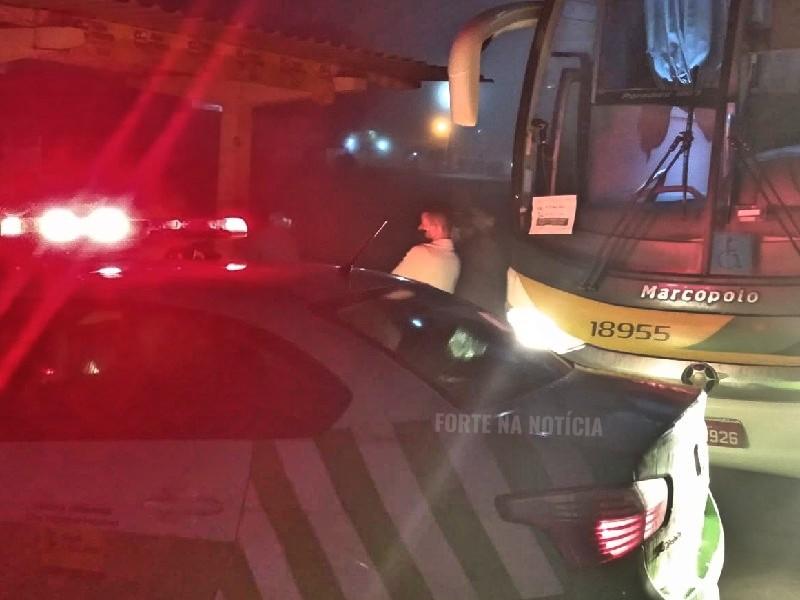 Cruz das Almas: agentes da SMTT interceptam passageiros de ônibus vindo de São Paulo