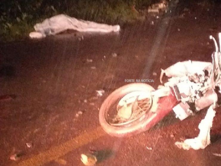 Colisão frontal entre motocicletas deixa dois mortos em Governador Mangabeira