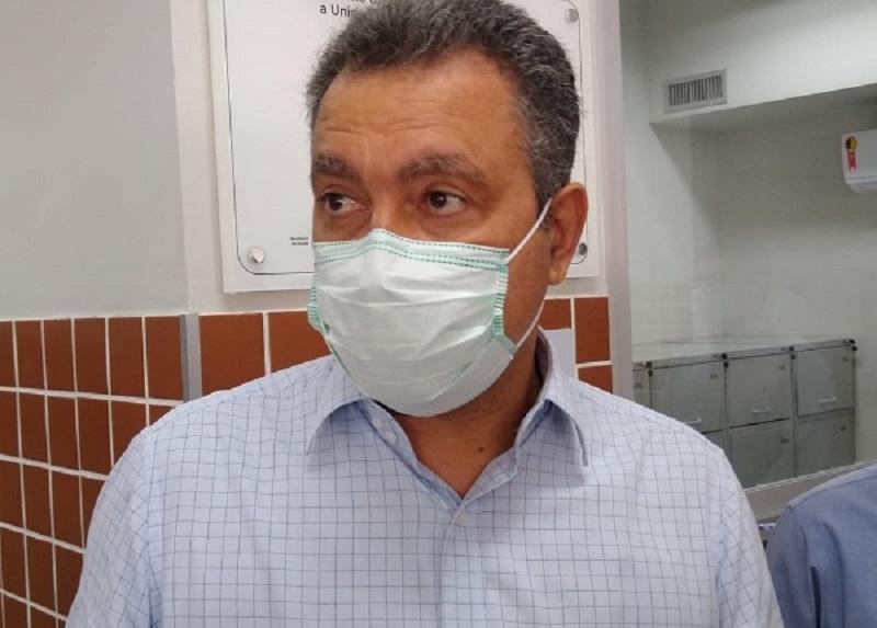 Rui volta a criticar politização da pandemia e lembra que país é epicentro da crise