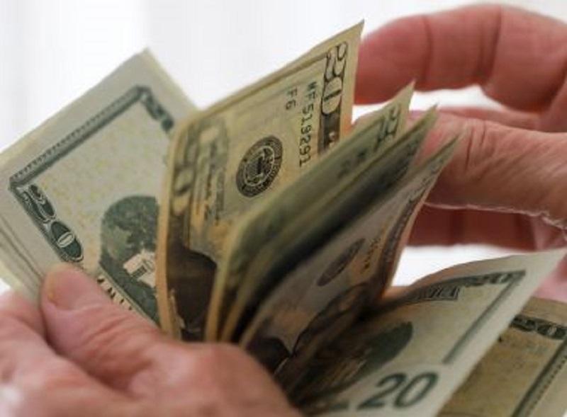 Dólar fecha em queda de 1,54% cotado a R$ 5,36