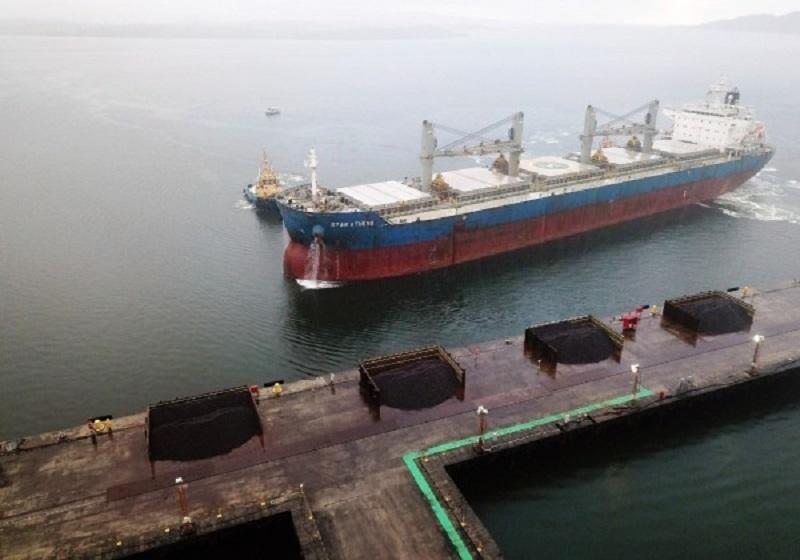 Em retomada como terminal portuário, Estaleiro Enseada faz sua primeira exportação de minério
