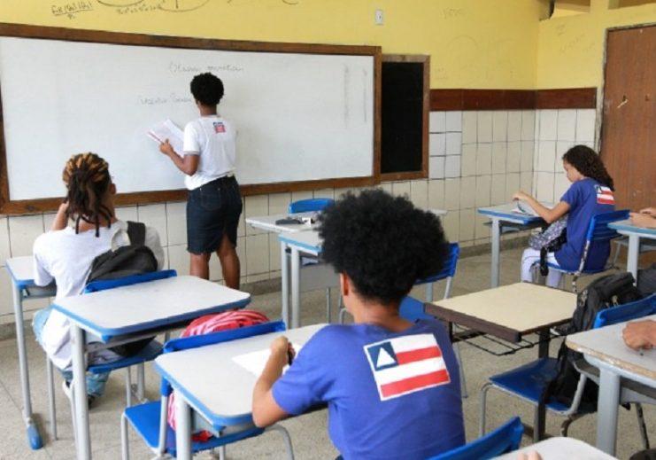 Escolas não são fator preponderante de transmissão do coronavírus, diz OMS