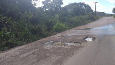 São Félix | Maragogipe: Estrada recentemente inaugurada já se encontra completamente esburacada