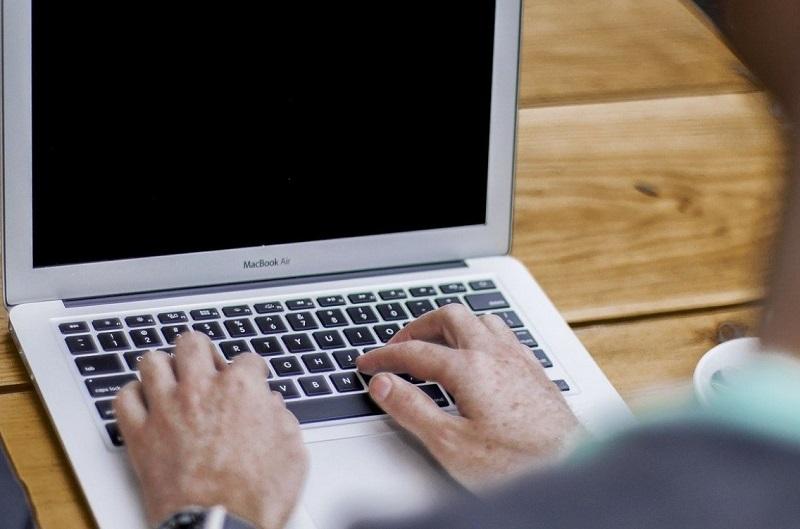 Bolsonaro sanciona Lei Geral de Proteção de Dados, que entra em vigor nesta sexta