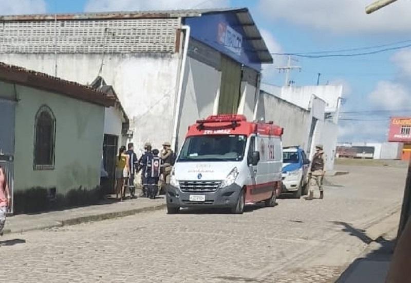 Homem é morto a facadas em Santo Antônio de Jesus; companheira é principal suspeita do crime