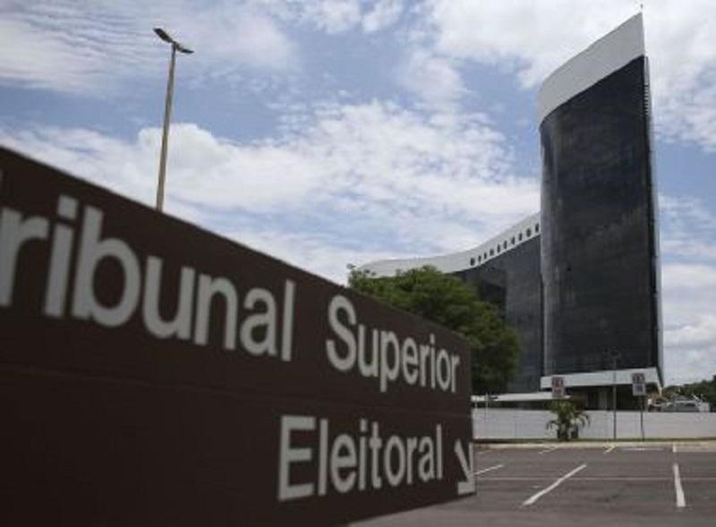 TSE pode permitir que políticos inelegíveis até outubro disputem eleições em novembro