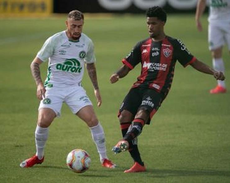 Vitória empata com Chapecoense e segue sem vencer jogando fora de casa