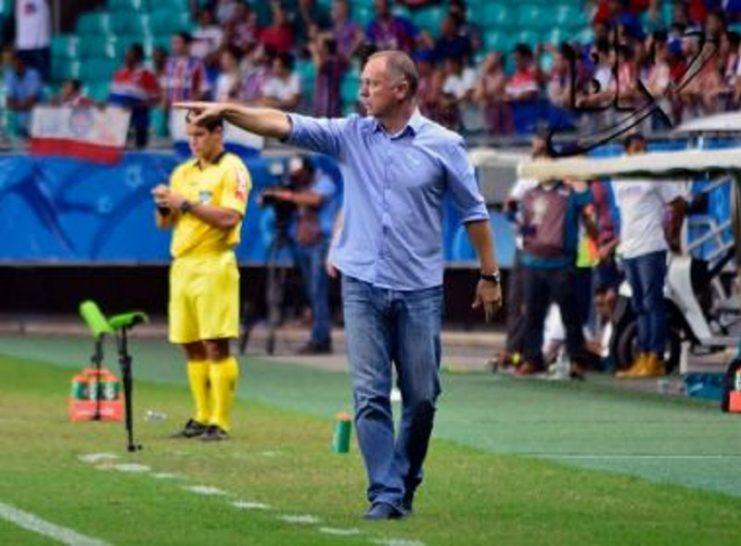 Mano admite primeiro tempo ruim do Bahia na derrota em casa: 'Pagamos caro por isso'