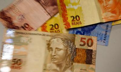 Bolsonaro aumenta margem do consignado para aposentados