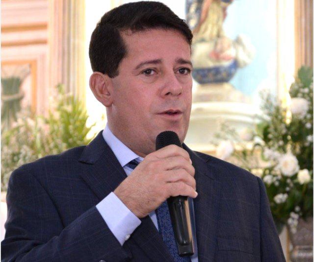 São Gonçalo dos Campos: prefeito Carlos Germano desiste de candidatura à reeleição