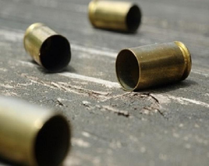 Homem é baleado em troca de tiros com a polícia na Rua da Alegria em S. A. de Jesus