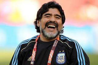 Morre Diego Maradona após parada cardiorrespiratória
