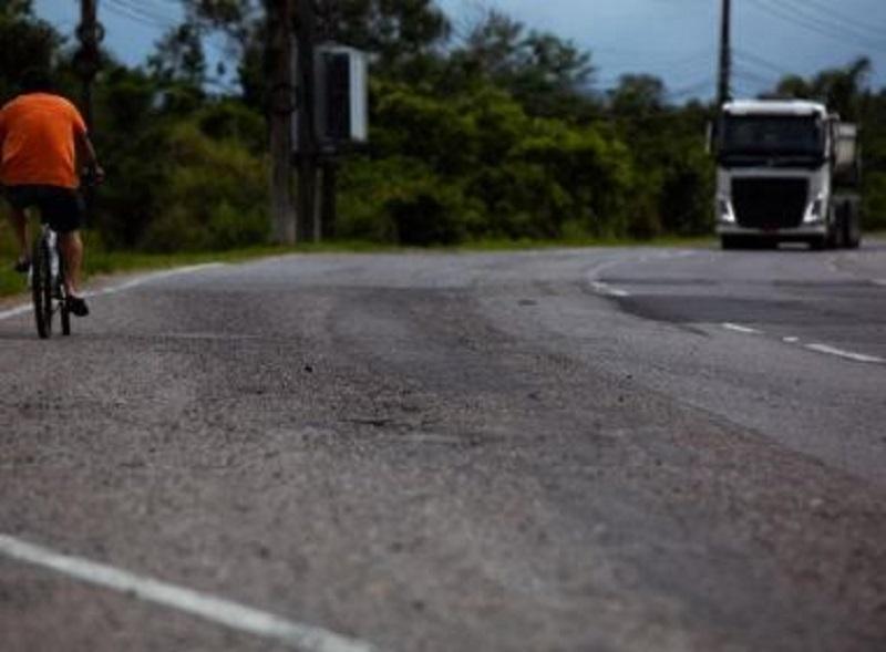 Mortes de ciclistas em rodovias federais na Bahia aumentaram 60%, alerta PRF