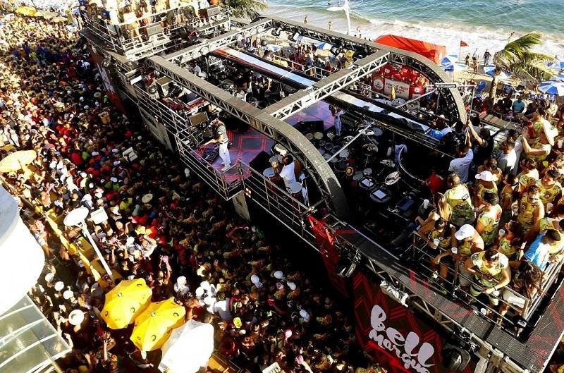 Neto confirma suspensão do Carnaval em fevereiro e põe em dúvida realização em 2021