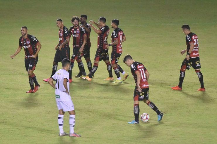 Vitória supera o Figueirense e volta a vencer após nove jogos