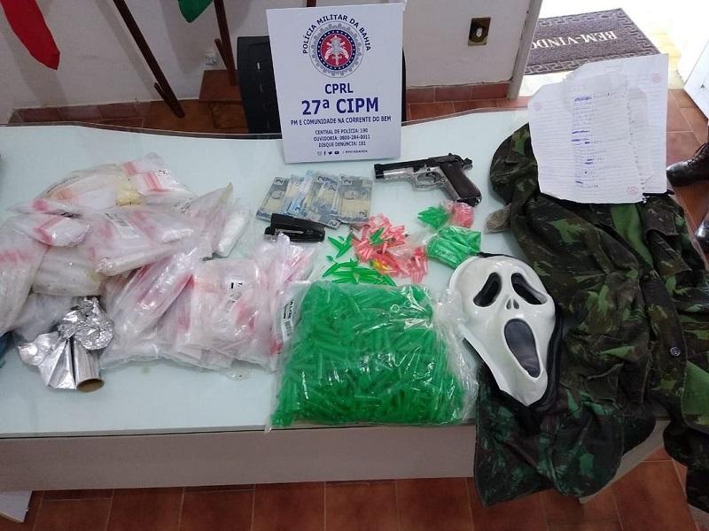 Após denúncias anônimas, Polícia Militar apreende arma e drogas em São Felipe