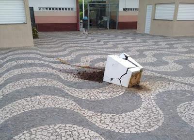São Félix: Vândalos destroem equipamentos públicos