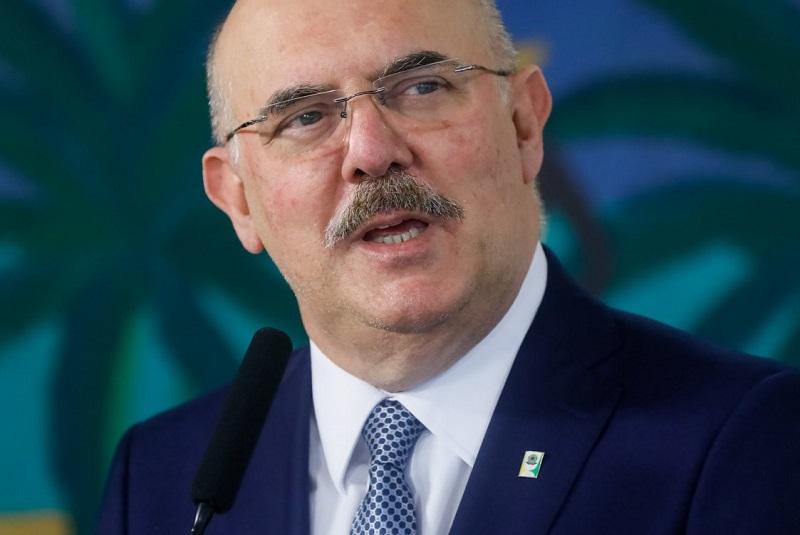 Ministro da Educação afirma que vai ouvir representantes das universidades federais antes de revogar decreto