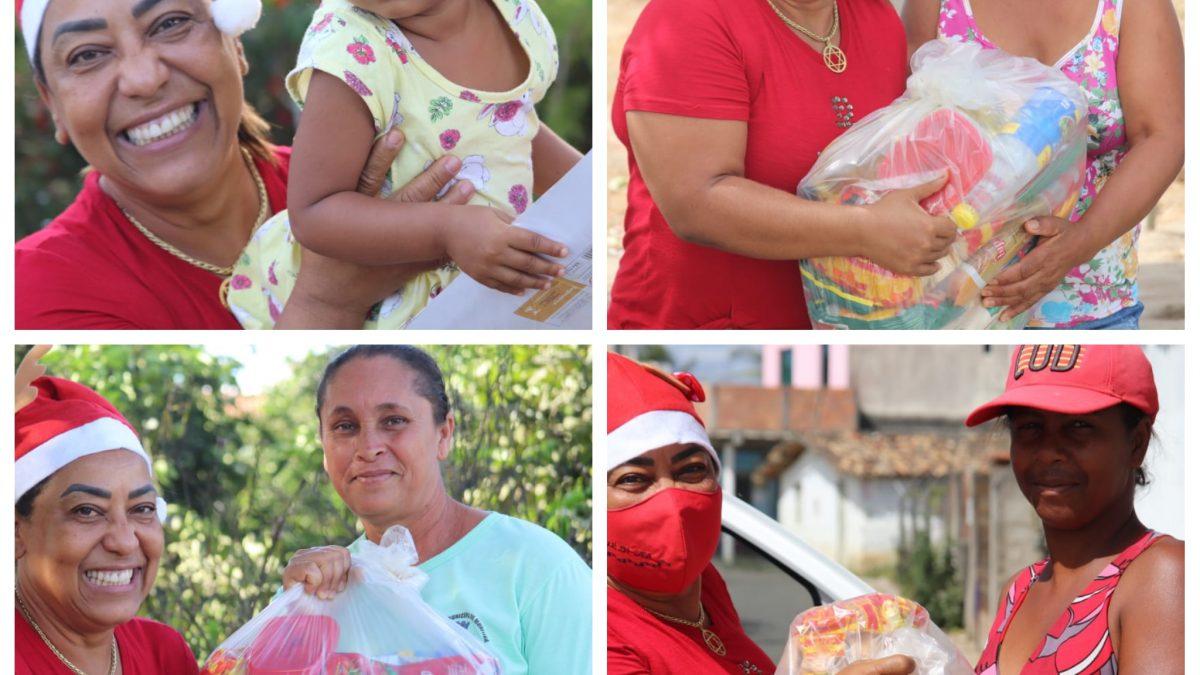 MURITIBA: VEREADORA MARA DISTRIBUIU HOJE MAIS  BRINQUEDOS E CESTAS BÁSICAS DO PROJETO 'NATAL SEM FOME' NAS COMUNIDADES DO POSTO SANCA, CARRO QUEBRADO, E PÉ DE SERRA.