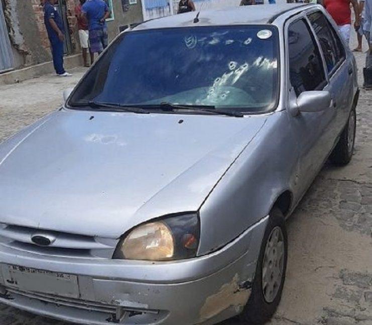 SAJ: Homens armados disparam contra veículo na Urbis 3 para roubar malote