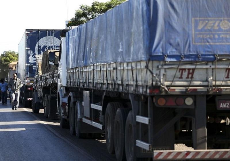STF passa a mediar conversa entre governo e caminhoneiros para evitar greve