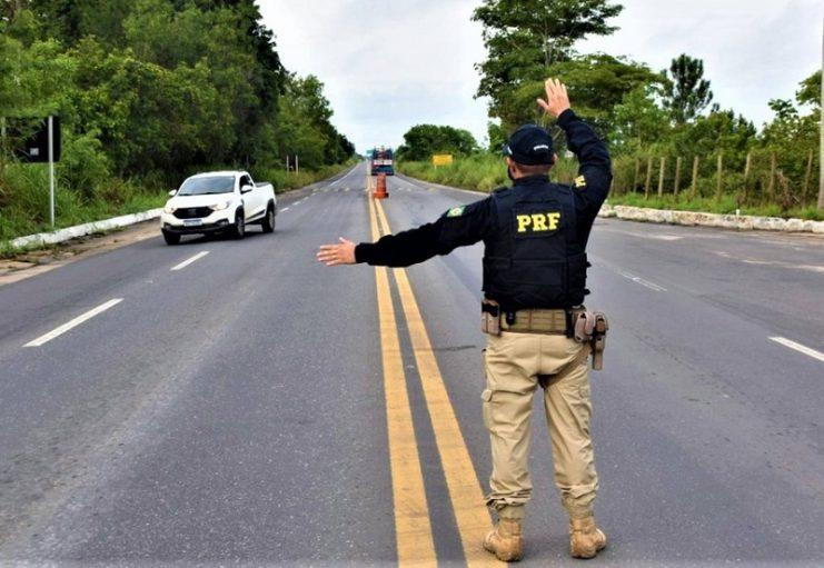 Mais de 4 mil infrações de trânsito são registradas durante o feriado da Semana Santa na Bahia, segundo PRF