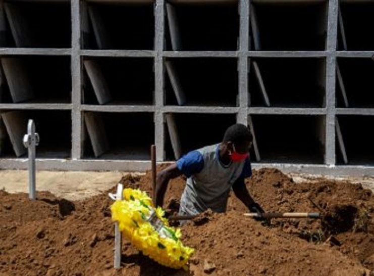 Mortes por Covid-19 voltam a subir na Bahia; nº de internados com casos graves cai